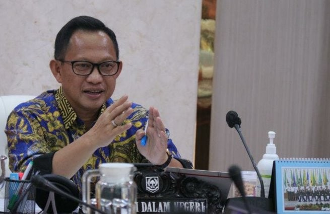 Mendagri Gerah Pencairan Bansos Masih Rendah KPPOD Usul Sanksi Potong Gaji Kepala Daerah NASIONAL