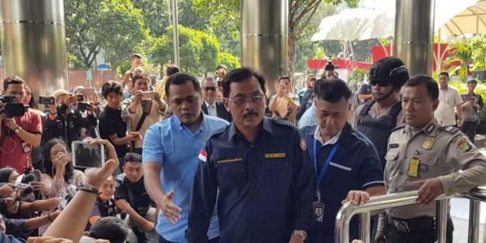 OTT Gubernur Kepri, Cermin Buruk Kepala Daerah yang Disponsori Swasta